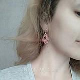 Ніжні сережки з рожевим камінням кольору золото, фото 5
