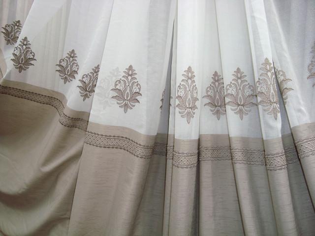 Тюль в зал з вишивкою