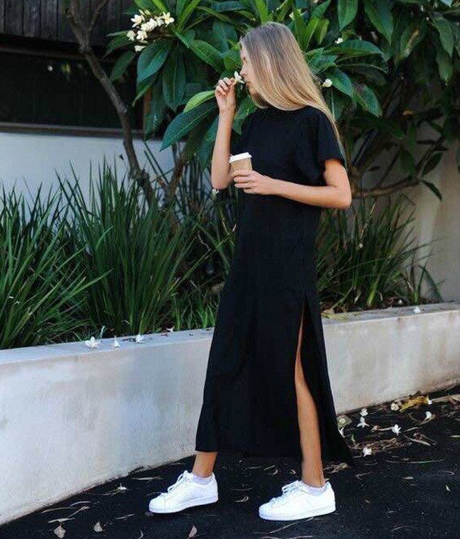 Актуальное миди платье с вырезом на ноге
