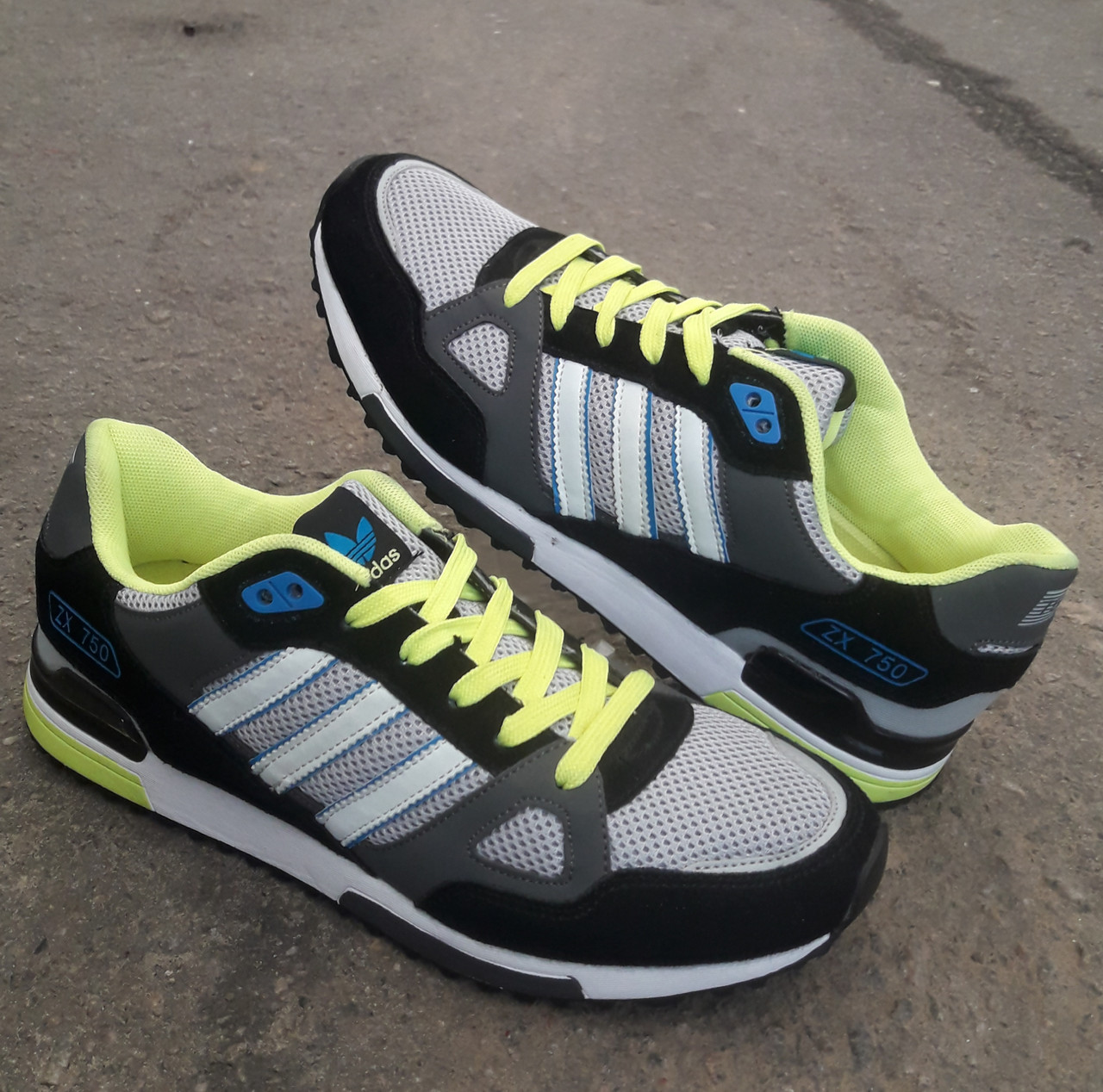 Кросівки Adidas ZX 750 р. 44