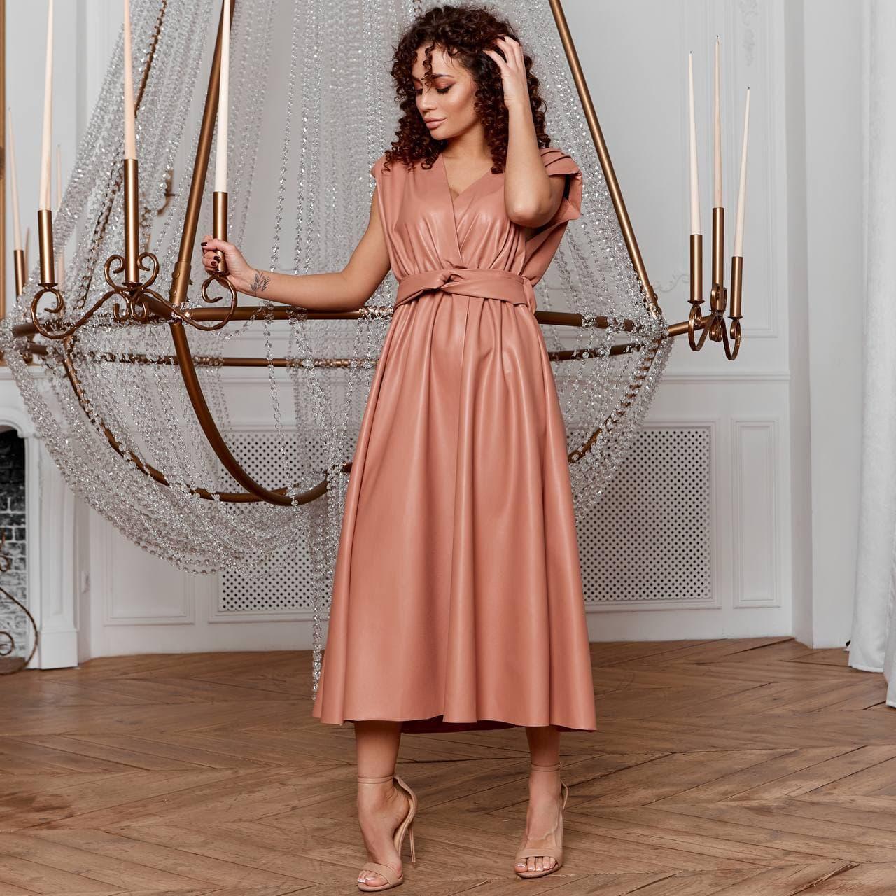Элегантное кожаное платье