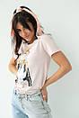 Женская стильная футболка с принтом в бежевом цвете, фото 4