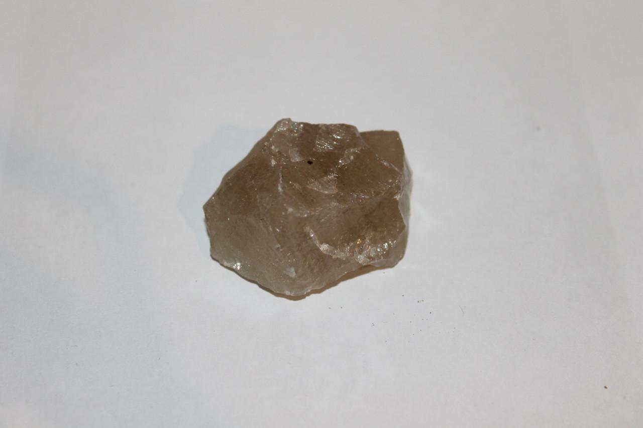 Раух-топаз камень 44*32*17 мм. натуральный дымчатый кварц