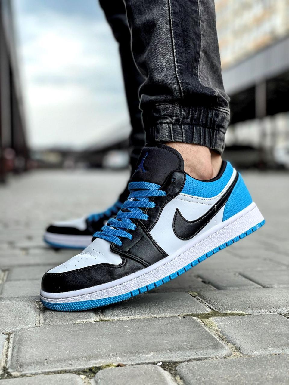 Кроссовки мужские 18251, Nike Jordan, белые [ 42 43 44 45 ] р.(42-26,7см)