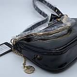 Женская лаковая сумочка GUESS 21GF-015 CONEY SHOULDER BAG багет через плечо с цепочкой черная, фото 7