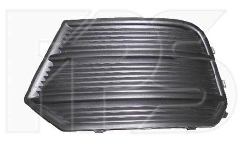 Решітка в бампері (без отв.) Audi Q3 '15-18 права (FPS)