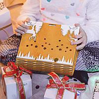 Коробка для новогоднего подарка дизайн олень цвет медовый с белым
