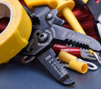 Инструменты которые помогут исправить мелкую поломку автомобиля