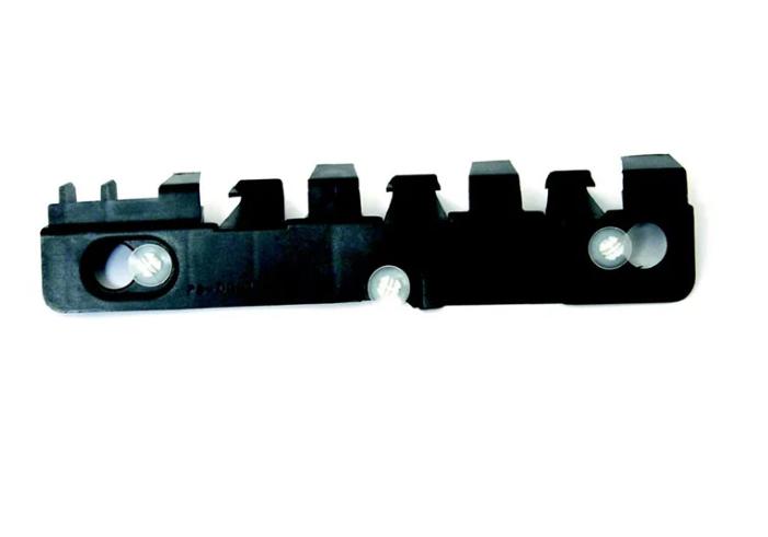 Кріплення заднього бампера Renault Logan MCV 06-08 правий (FPS) 6001549256