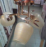 Люстра золото бежевые стеклянные плафоны 3 лампы