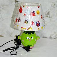 Лампа настольная, 1 лампа, высота лампы - 27 см, диаметр абажура - 20