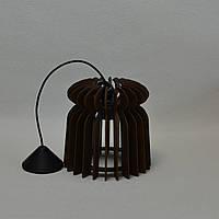 Красивая деревянная люстра 1 лампа