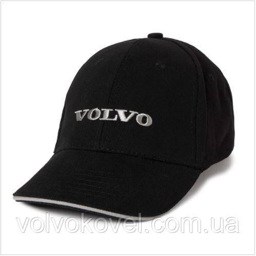 Кепка з козирком чорного кольору з надписом Volvo