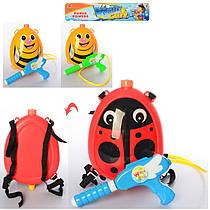 Дитячий водяний пістолет - водний автомат з балоном рюкзаком на плечі.