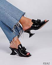 Женские мюли шлепанцы черный лак на каблуке рюмочке