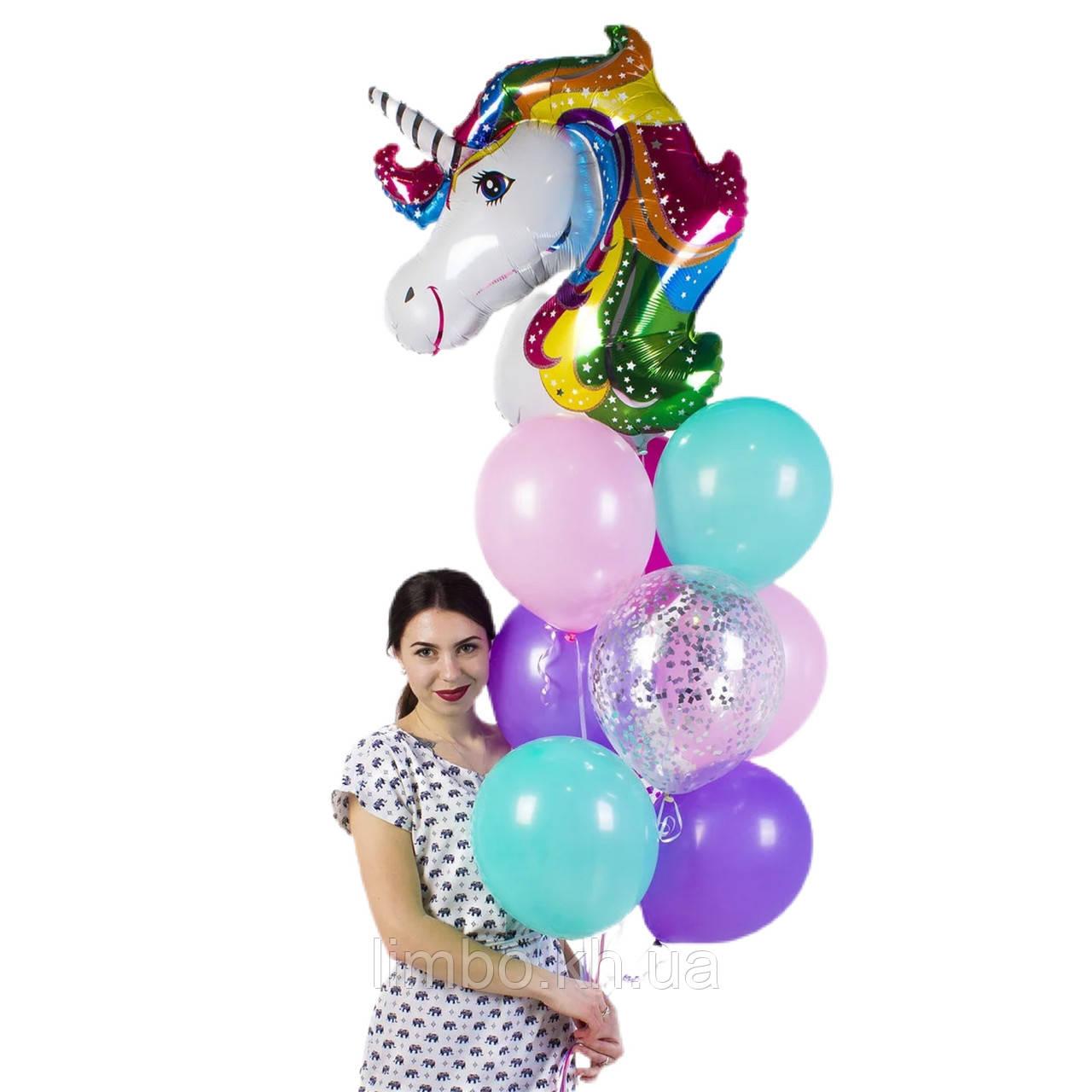 Кульки на ін дівчинці з фігурою Єдиноріг
