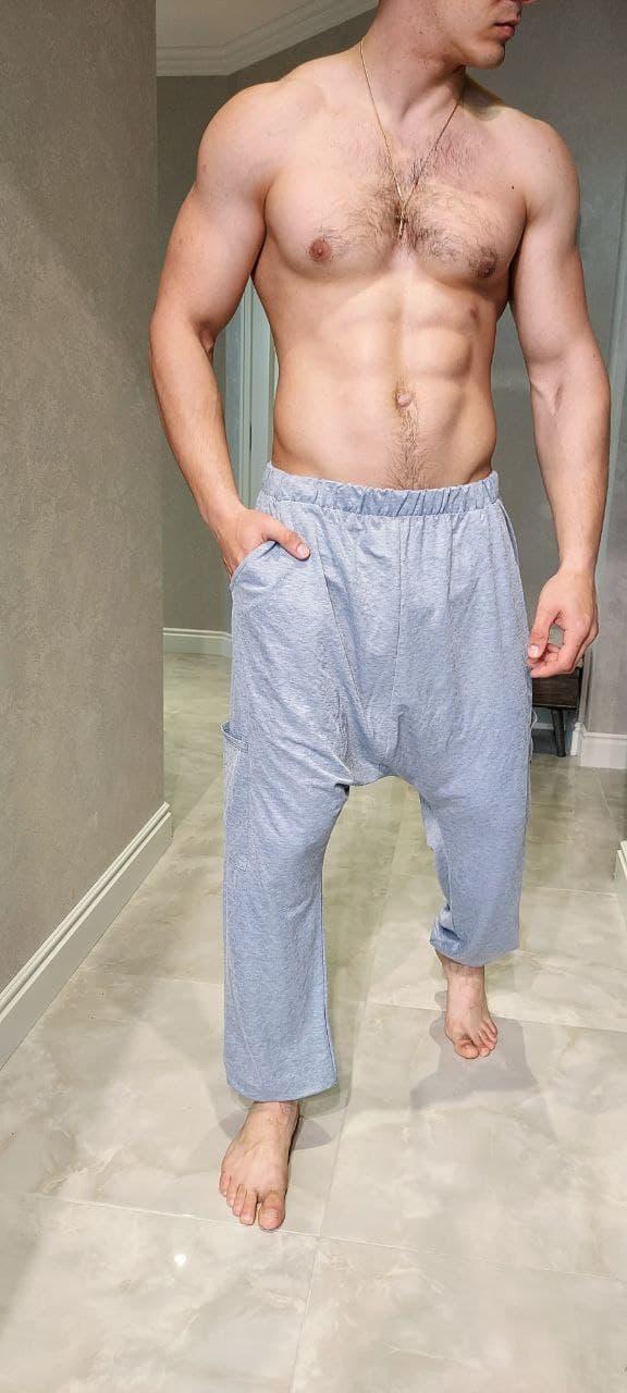 Удобные штаны с мотней цвет серый и черный.