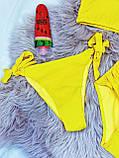 Яскравий Купальник роздільний Жовтого кольору з топом на поролонових чашках і 2 плавками тканина рубчик, фото 3