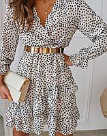 Женское молодежное платье для девушек на запах с рюшами без пояса Горох размер 42-46, цвет белый