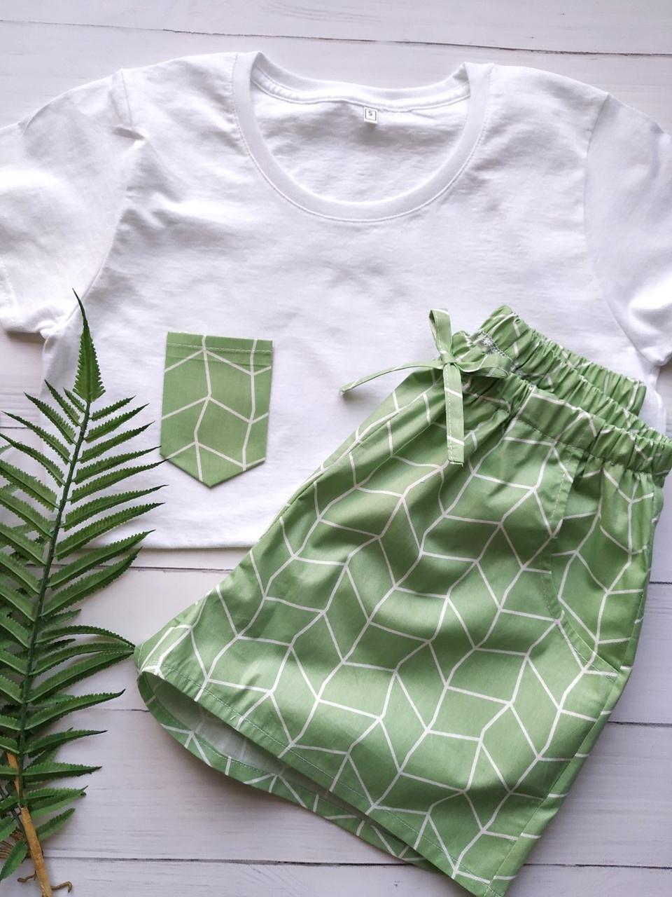 Пижама в зеленом цвете, футболка и шорты
