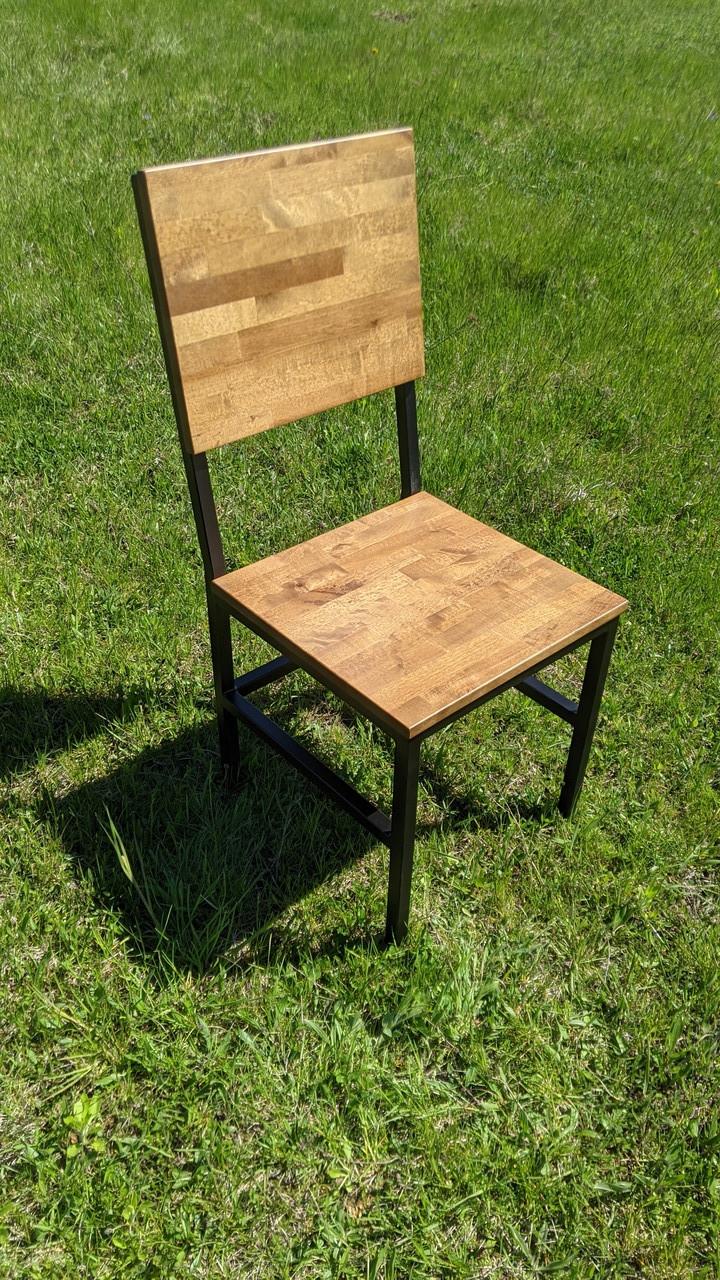 Високий дерев'яний стілець для кафе від виробника