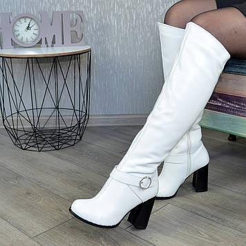 Высокие зимние кожаные сапоги на устойчивом каблуке. 40 размер