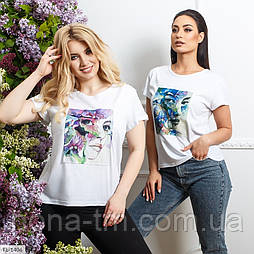 Жіноча модна футболка з нашивкою великого розміру