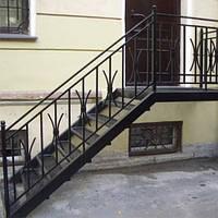 Сколько стоит винтовая кованная лестница