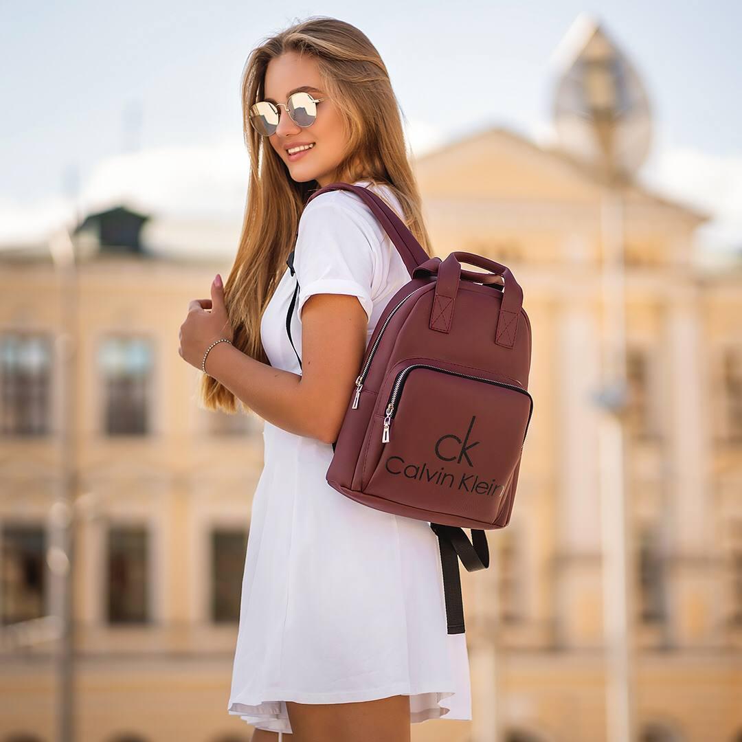 Бордовий жіночий шкіряний рюкзак CK