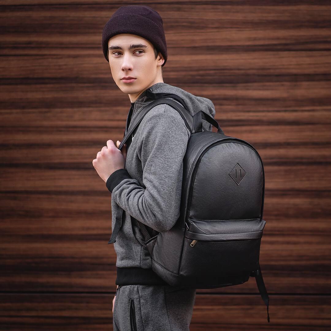 Чоловічий шкіряний рюкзак від виробника