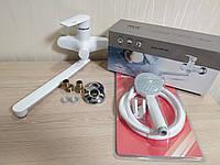 Пластиковый смеситель для ванны в комплекте с длинным изливом (гусаком) Brinex 35W005-005