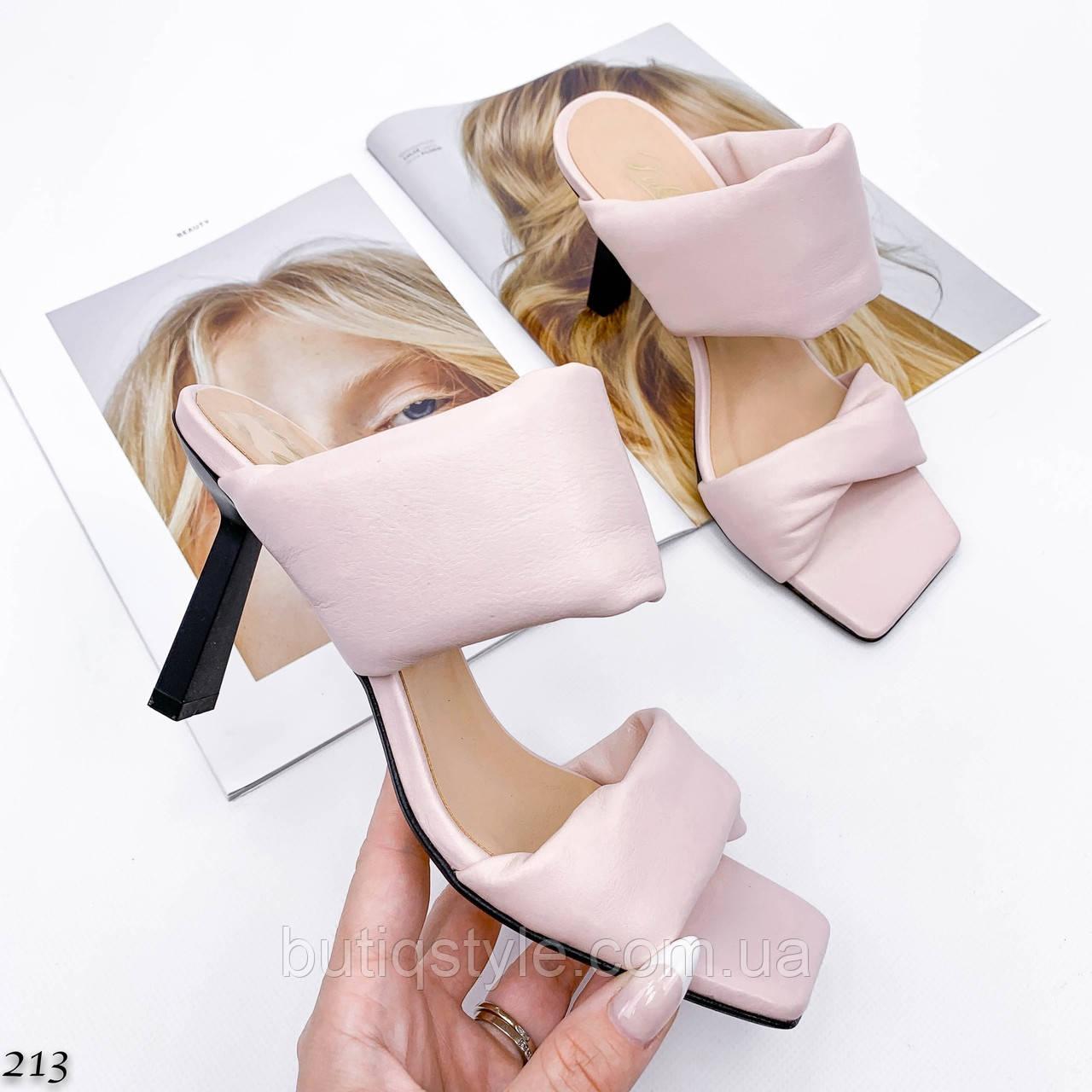 Женские шлепки пудра натуральная кожа на каблуке