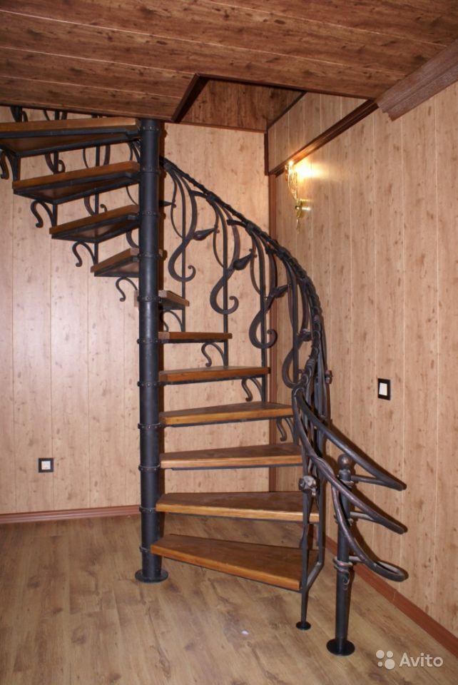 Виробництво кованих сходів