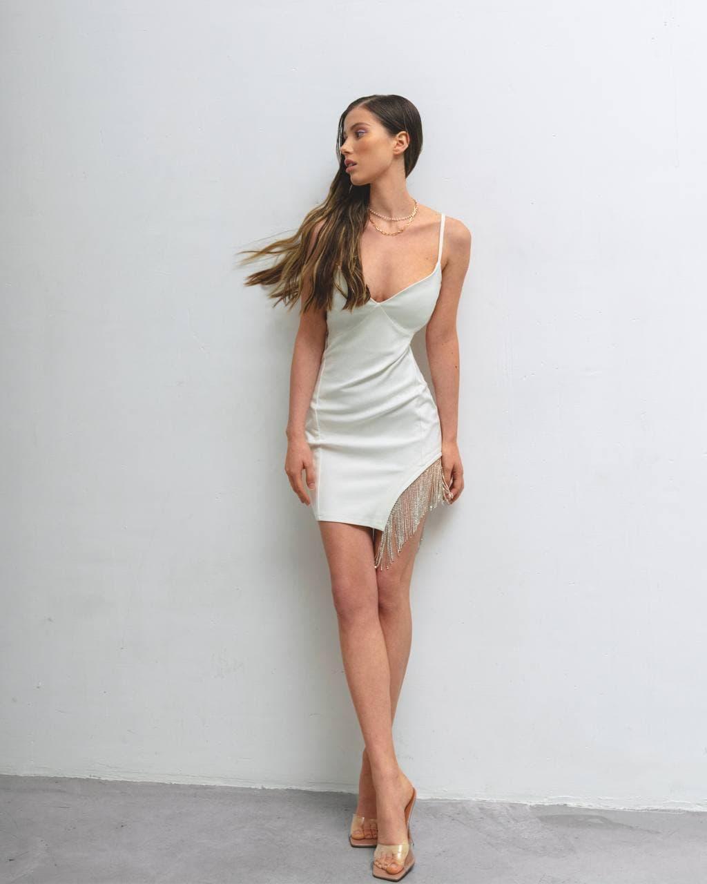 Нарядное женское платье мини с камнями AniTi 624, молочный