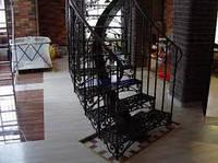 Кованые ступеньки для лестницы