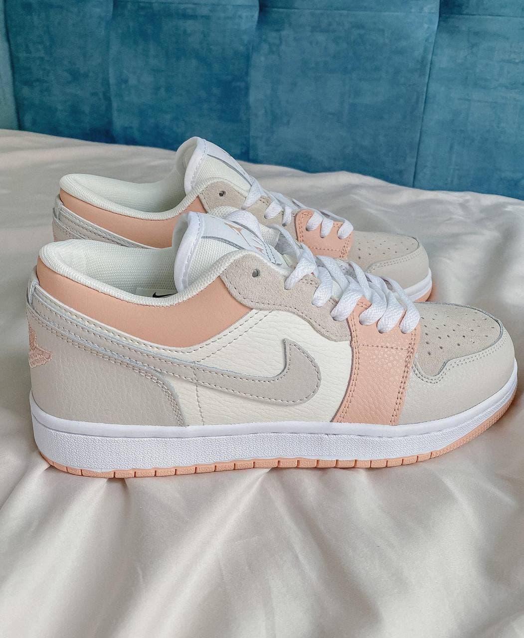 Женские кроссовки Nike  Jordan 1 Retro Low Beige/Pink