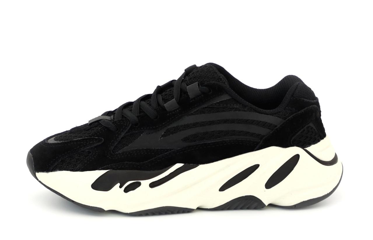 Женские кроссовки Adidas Yееzy 700