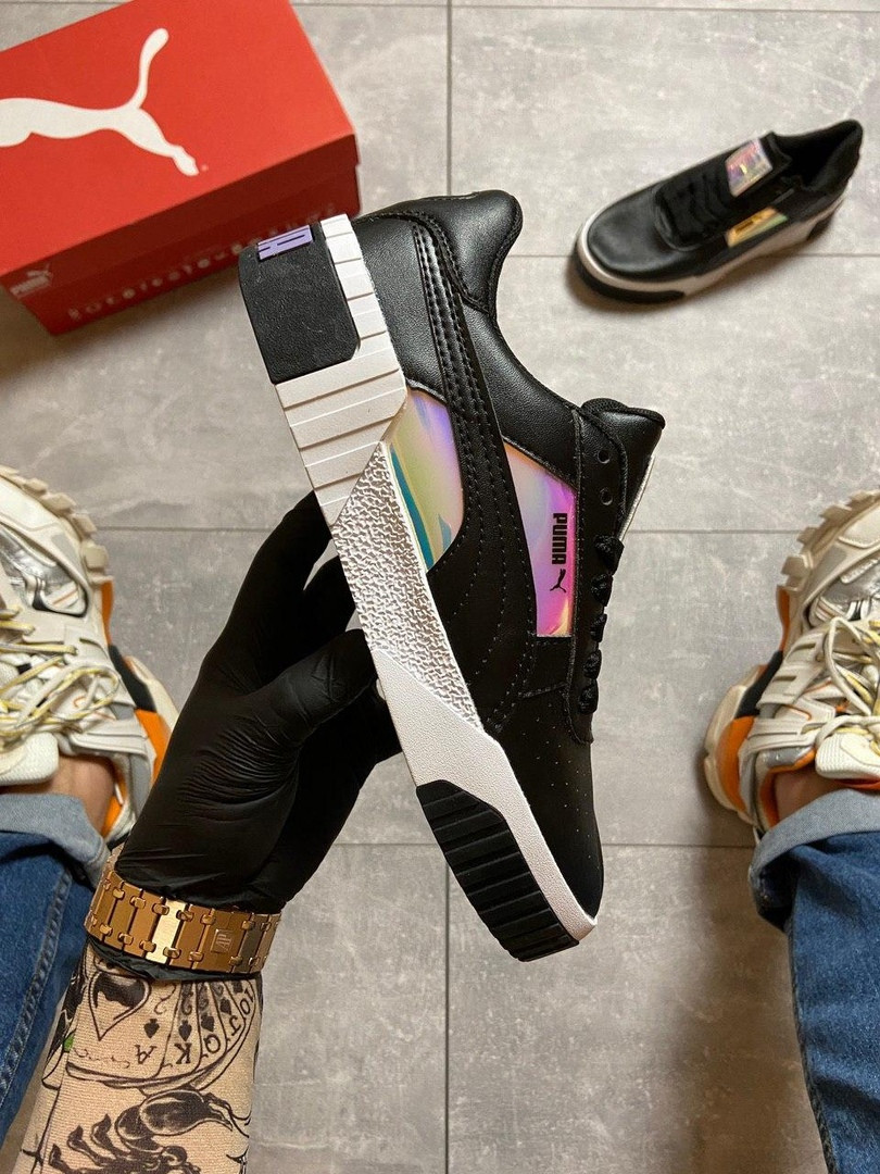 Жіночі кросівки Puma Cali Glow.