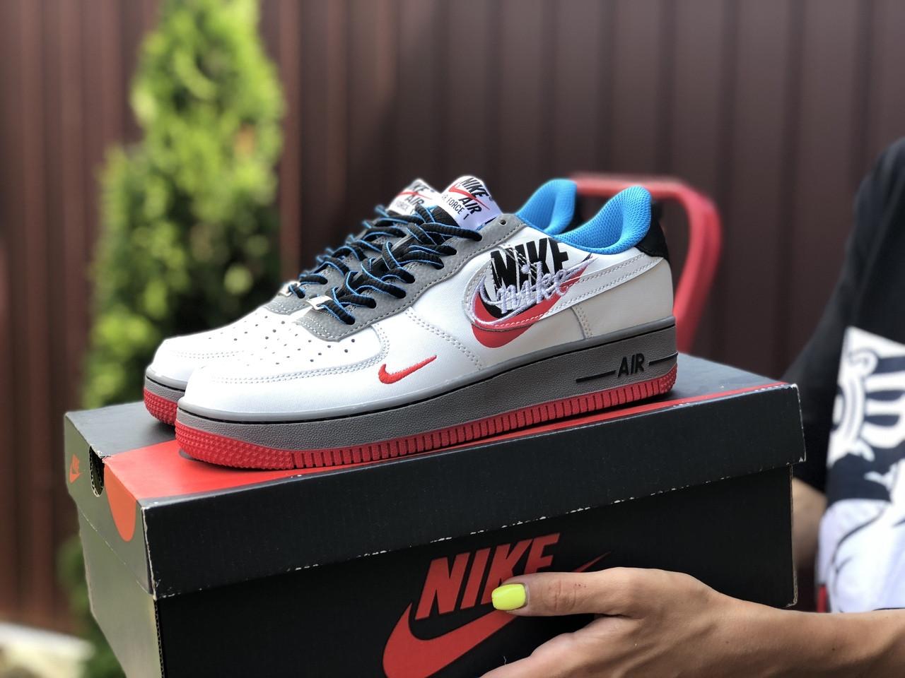 Женские кроссовки Nike Air Force 1 белые с красным, голубые