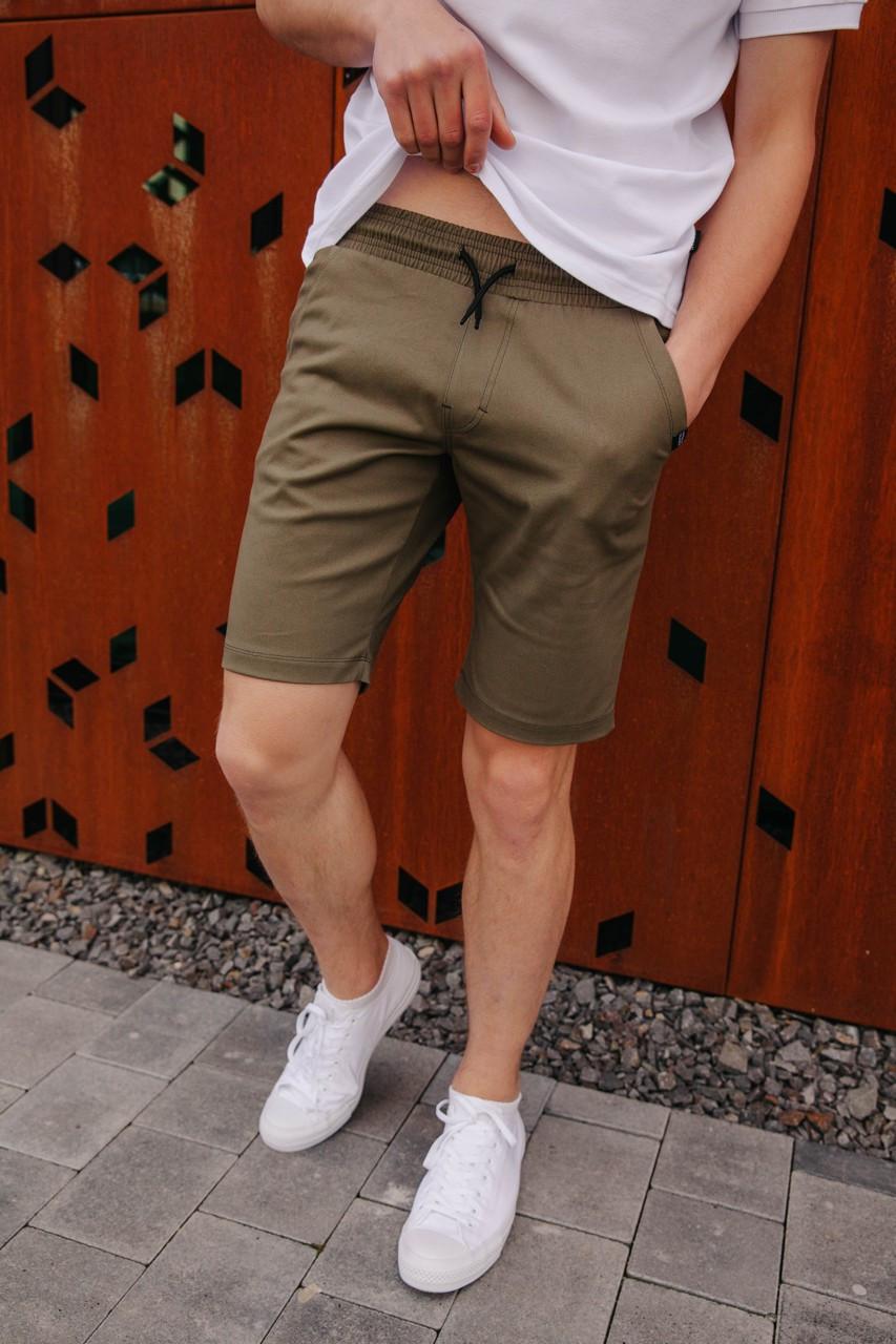 Летние шорты удлиненные мужские модные с удобной посадкой на завязках оливкового цвета