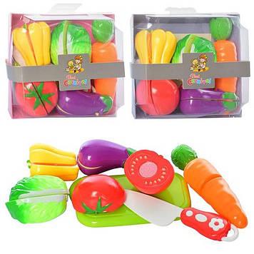 Продукти на липучці,овочі 5шт,ніж,дощечка,у кор-ці,16х14х6,5см №228E8-3(72)