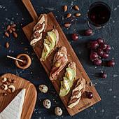 Дерев'яна посуд сервіровки дошка для закусок, довга дошка для закусок на вечерю (wds_0123)