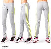 Женские спортивные брюки с принтом Adidas с желтой полосой