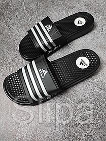 Чёрные мужские шлёпанцы Adidas с белыми полосками | пена + искусственная кожа