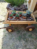 Декорированная садовая тележка