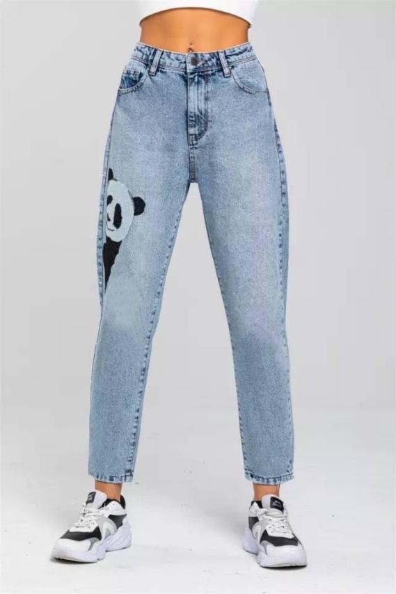Женские джинсы МОМ с вышивкой Производство Турция. Размер: 25, 26, 28, 30, 32. Ткань: джинс (не тянется).