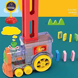 Развивающая игрушка Паровозик Домино на батарейках Поезд Domino