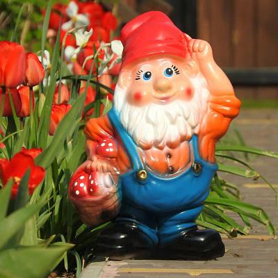 Садовая фигура BnBkeramik Гном с корзинкой
