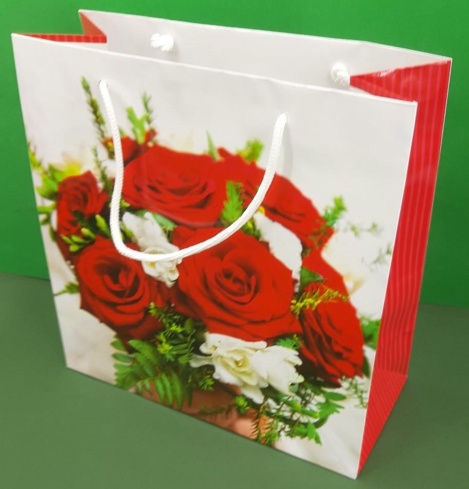 Пакет бумажный подарочный квадратный ы 23*24*10(артKV-103) (12 шт)