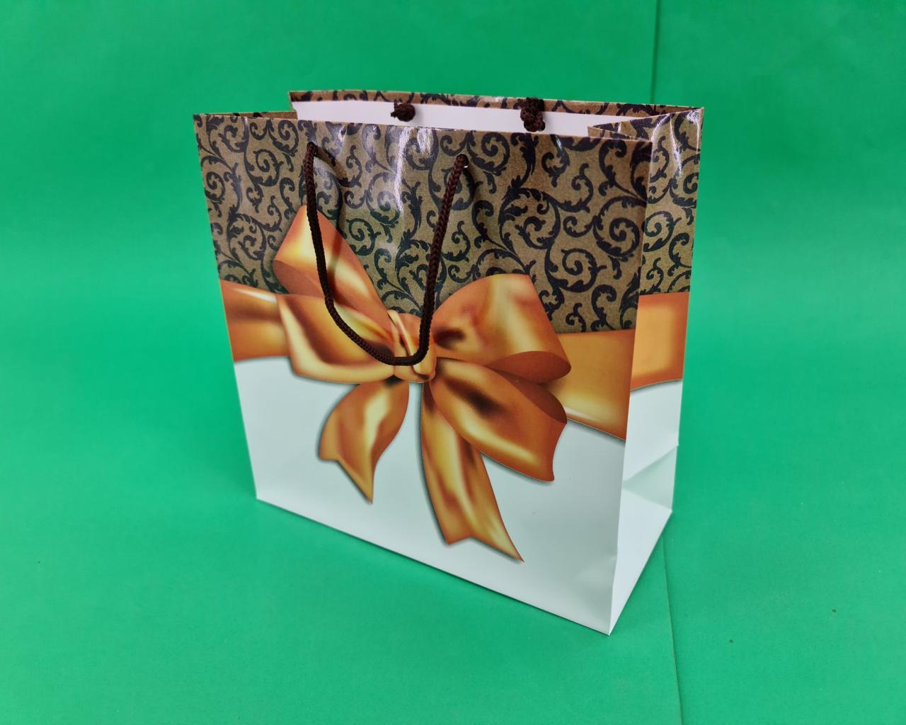 Пакет бумажный подарочный квадратный ы 23*24*10(артKV-081) (12 шт)